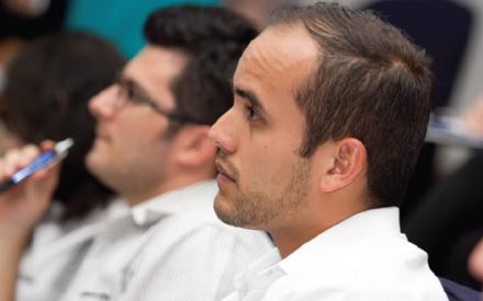 Jóvenes eligen una empresa por el potencial de aprendizaje que esta ofrece
