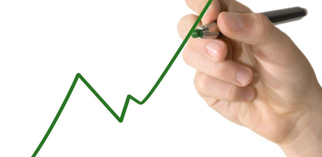Aseguradoras proponen fórmula que permitiría subir, en promedio e inmediatamente, un 14,6% la jubilación de 323 mil pensionadas