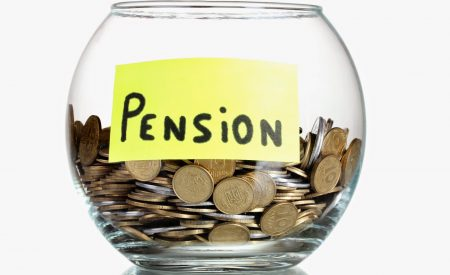 Ahorro voluntario en las AFP cae fuertemente, por desaceleración y debate por sistema de pensiones