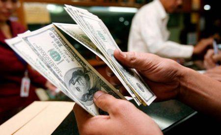 ¿Llegó el momento de invertir en dólares?