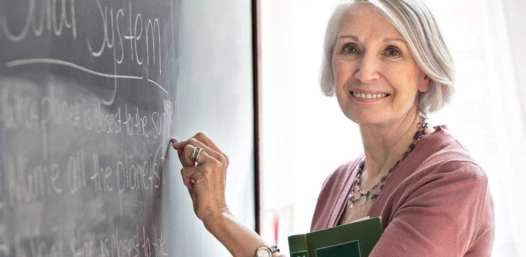 Mujeres aplazan cada vez mas edad de jubilación