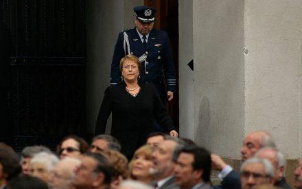 Presidenta fija plazo de un mes para evaluar proyecto de pensiones