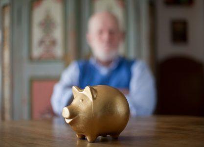 Cómo sería su pensión si toda o una parte de la cotización extra va a su cuenta personal