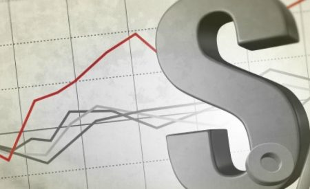 Economistas suben proyección para el PIB de Chile con tasas y tipo de cambio estables