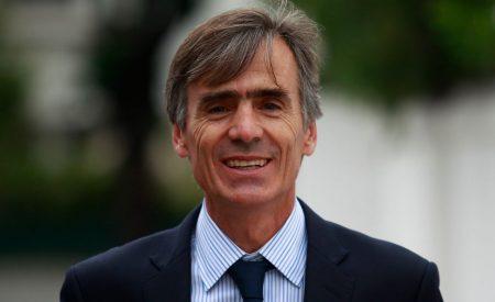 Ministro Valente llama a invertir en Chile y a mirarnos como una alternativa de desarrollo