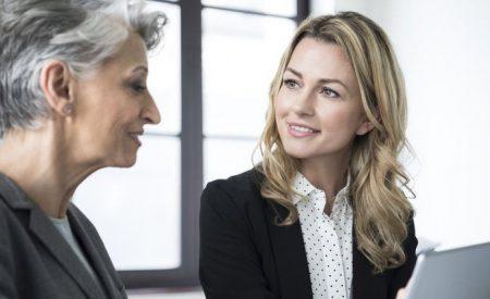 Pensiones de las mujeres subirían más de 60% si jubilaran a la edad promedio de la OCDE
