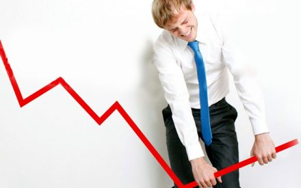 ¿Se viene una recesión? Voces de alerta crecen y la OCDE prevé desaceleración global