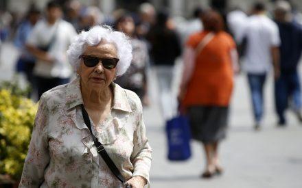 Gobierno aplaza reforma de pensiones